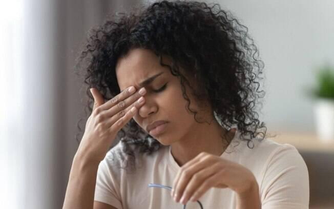 Saiba como o estresse e ansiedade podem desencadear as enxaquecas