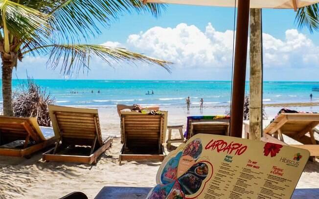 Quando procurar o que fazer em Alagoas, não deixe de passar pela Praia de Ipioca e pelo Hibiscus Beach Club