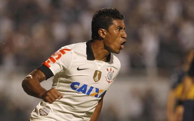 Paulinho celebra gol de empate do  Corinthians