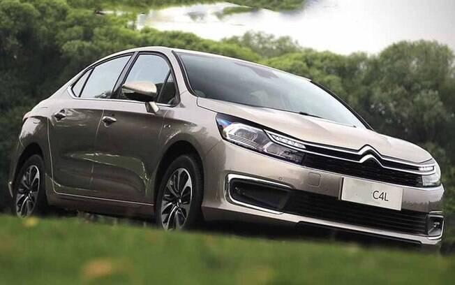 Citroën C4 Lounge: sedã ganhará frente renovada a partir do início do ano que vem para ganhar apelo diante dos rivais