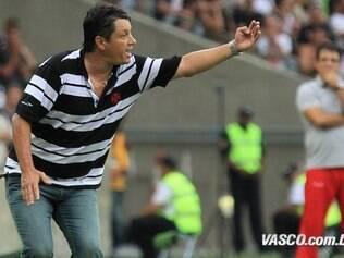 Adilson Batista tenta reerguer o Vasco após a perda do título Estadual