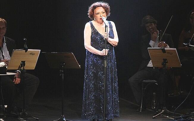 Bibi Ferreira comemora 90 anos com