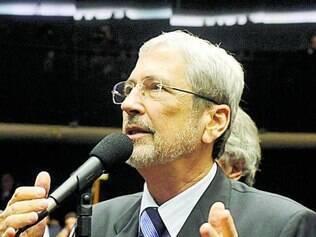 "Segundo Imbassahy, Dilma tem sua legitimidade ""compromissada"""