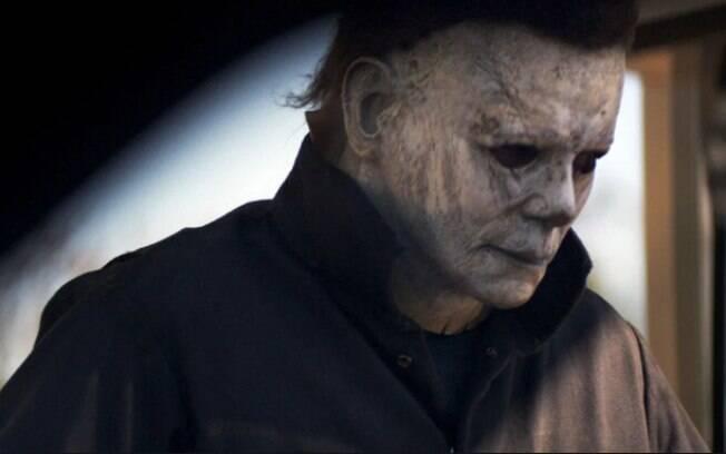 Michael Myers retorna aos cinemas com máscara que remete à original