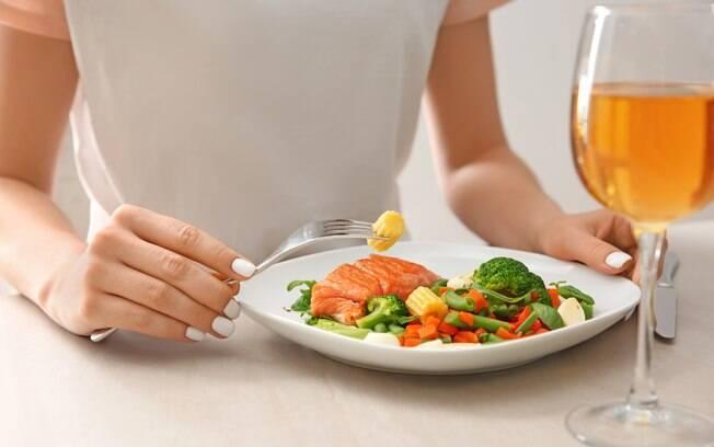 Dietas mais famosas no Google: a Dukan prega retirar alguns grupos alimentares do cardápio por um determinado tempo