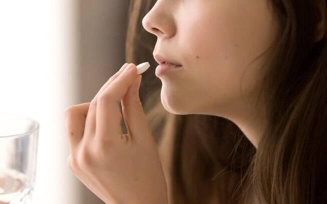 A pílula do dia seguinte é um medicamento de emergência e não deve ser usado em excesso, pois perde a eficácia e causa efeitos colaterais