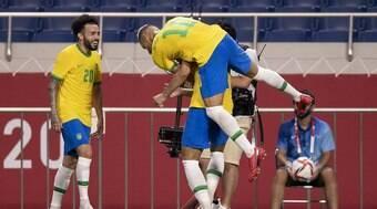 Seleção Brasileira entra em campo contra o México às 5h de terça (3)