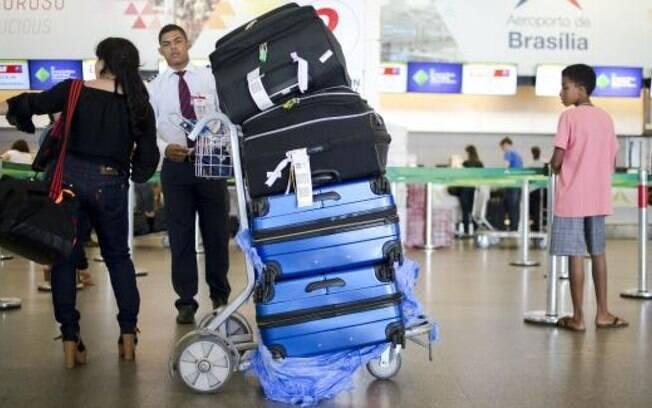Novas resoluções da Anac que possibilitam cobrança por bagagem devem entrar em vigor na próxima terça-feira (14)