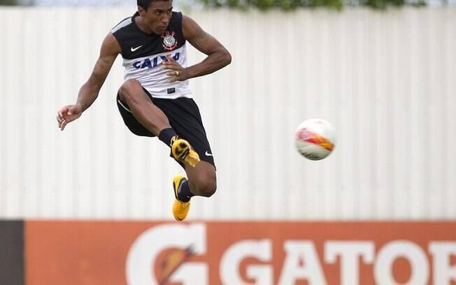 Paulinho admite ansiedade por primeiro jogo  de 2013