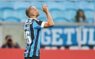 Repleto de reservas, Grêmio derrota o Athletico-PR
