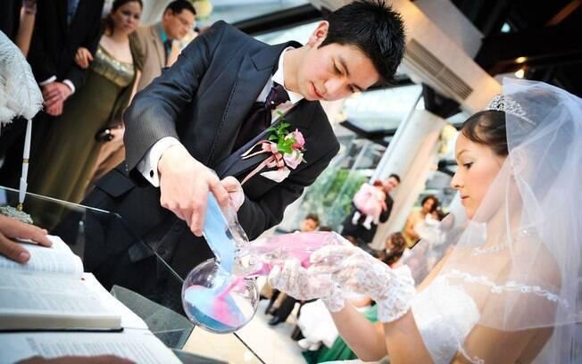 Rito das Areias simboliza união dos noivos