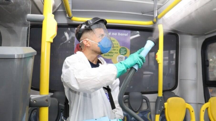 Ônibus higienizado contra a covid-19 em Campinas.