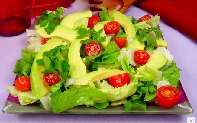Salada de avocado: leve, nutritiva e com um sabor especial