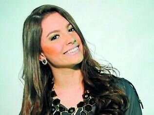 Atriz Laís Pinho celebra momento que vive em sua carreira