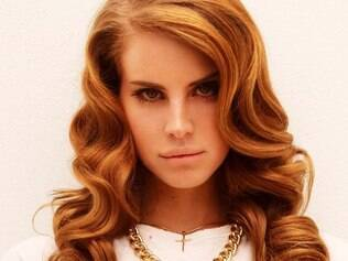 Após cancelar turnê europeia, Lana del Rey anuncia shows em cemitério