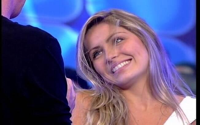 Renata responde perguntas de Pedro Bial