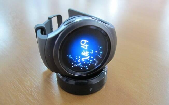 2d33f46ceaf O smartwatch conta com 4GB de memória interna e 512 MB de memória RAM. Foto