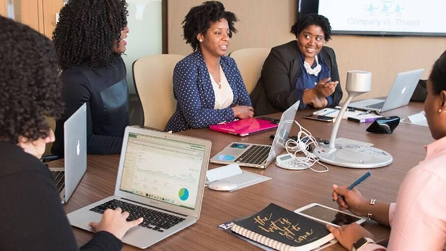 Mulheres negras no mercado de trabalho