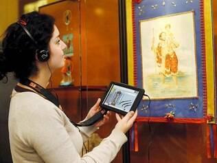 Tecnologia. Demonstração das funções multimídia de tablet foram realizadas durante a inauguração do serviço ontem, no MAO