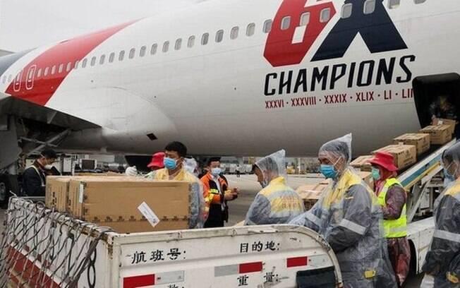 Patriots usa avião próprio e compra 1 milhão de máscaras na China