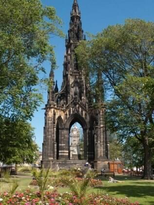 Monumento em homenagem a  Walter Scott, o escritor mais célebre da Escócia