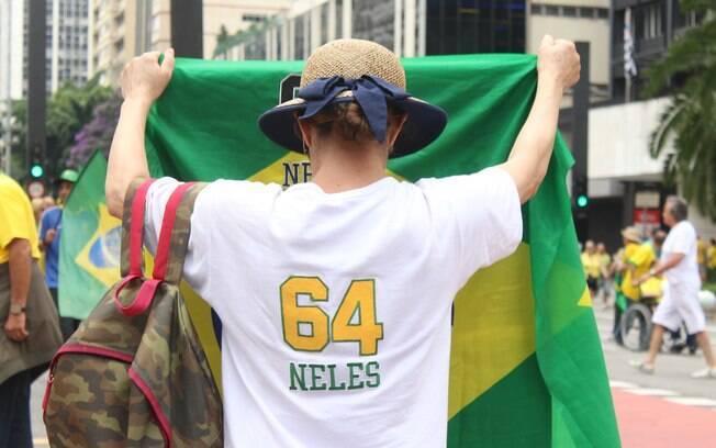 Manifestante propõe ressuscitar 1964 durante ato na Avenida Paulista. Foto: André Tambucci/ Fotos Públicas - 13.3.16