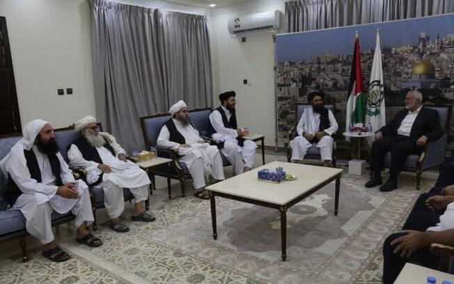 Hamas parabeniza Talibã após tomada de poder