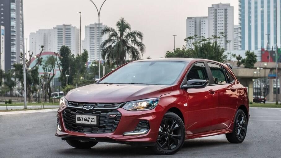 Chevrolet Onix deve retornar gradualmente às concessionárias em busca de retomar a liderança nas vendas