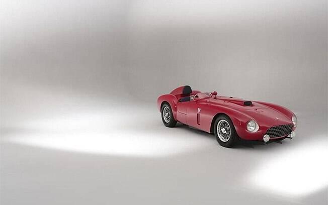 Ferrari 375-Plus foi leiloada por mais de 10 milhões de libras esterlinas