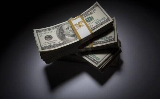 Dólar sobe em relação ao real, apesar de intervenção do Banco Central e IOF - Mercados - iG
