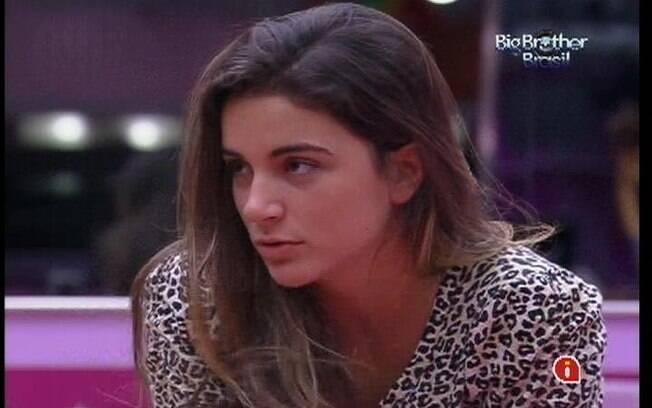 Laisa desabafa sobre suas escolhas para Renata e João Carvalho