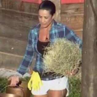 Scheilla é apontada pelos peões como favorita ao prêmio de 'A Fazenda'