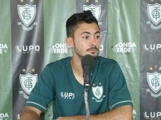 Sávio é desfalque certo do América para jogo de seis pontos contra o Leão do Bonfim