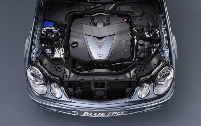 Segundo a Mercedes-Benz o motor BlueTEC é o diesel mais sofisticado que existe, respeitando as leis americanas e européias de emissões de poluentes