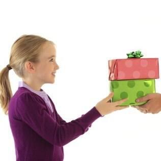 Não deixe a generosidade do Natal terminar no Natal. Ajudar é bom o ano inteiro!