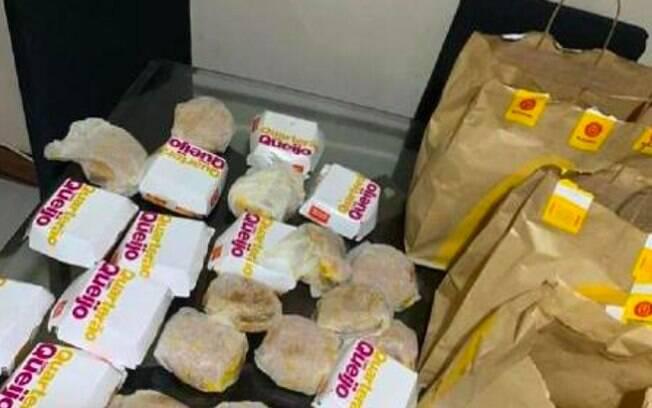Menino comprou 25 sanduíches Quarteirão pelo iFood, instalado no celular da mãe