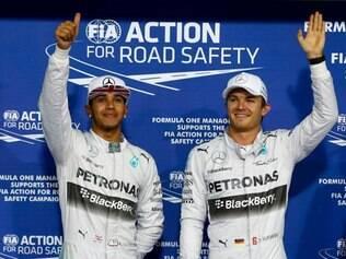 Nico Rosberg cravou o melhor tempo na sessão que definiu o grid de largada, ficando 0s386 milésimos à frente do inglês