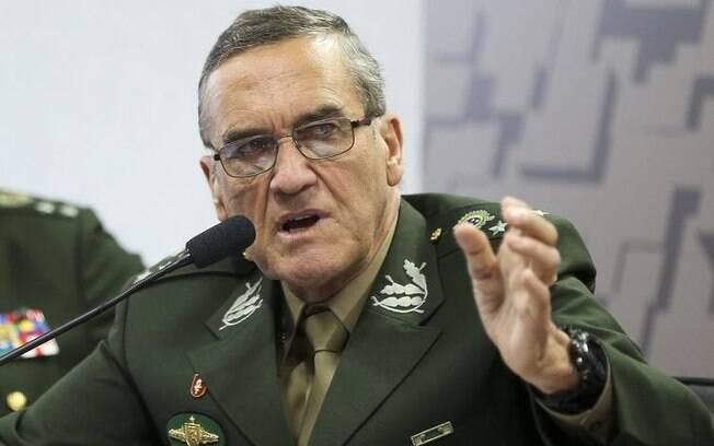 Antes de confrontos na Dona Marta, comandante do Exército Brasileiro, general Eduardo Villas Bôas critica governo do Rio