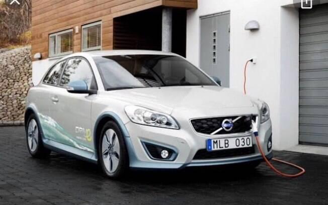 O Volvo C30 foi o primeiro conceito da montadora em 2010 nodesenvolvimento para chegar ao veículo elétrico atual