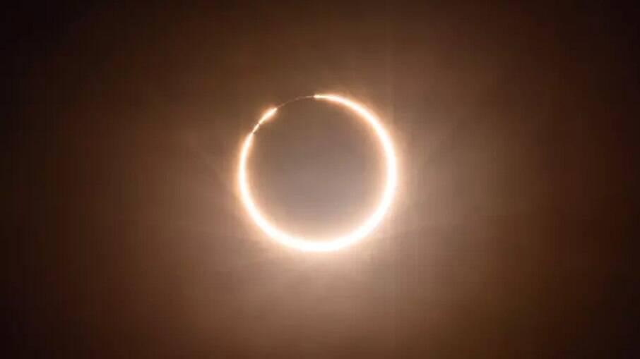 Eclipse anular do Sol visto da China em junho de 2020