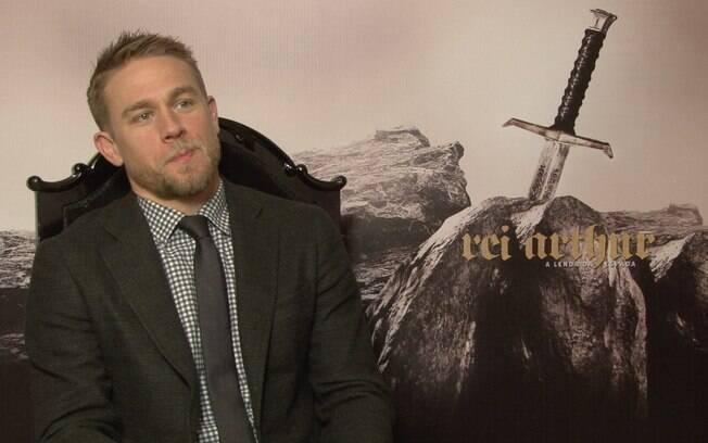 Charlie Hunnam veio ao Brasil para promover o filme