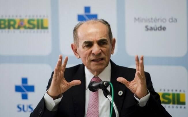 O ministro da Saúde, Marcelo Castro, estipulou prazo de até três anos para produzir vacina
