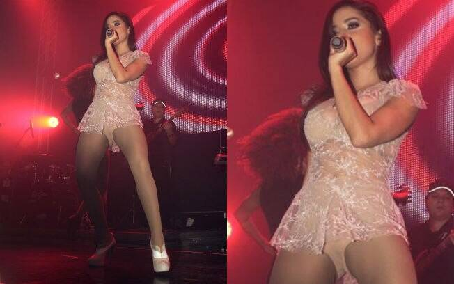 Anitta chamou atenção em show com vestido sexy e transparente