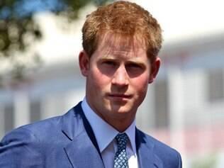 Polêmico, príncipe Harry se separou de namorada recentemente