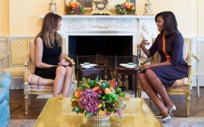 Comentário faz elogio à nova primeira-dama, Melania Trump, mas faz também uma crítica racista a Michelle Obama