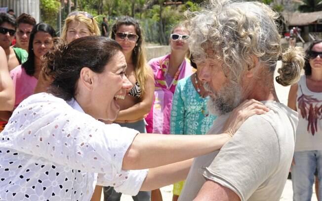 Griselda (Lília Cabral) reencontra o marido Pereirinha (José Mayer) em