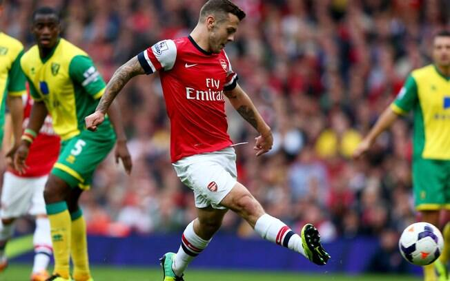 Wilshere abre o placar para o Arsenal diante do Norwich após bela troca de passes