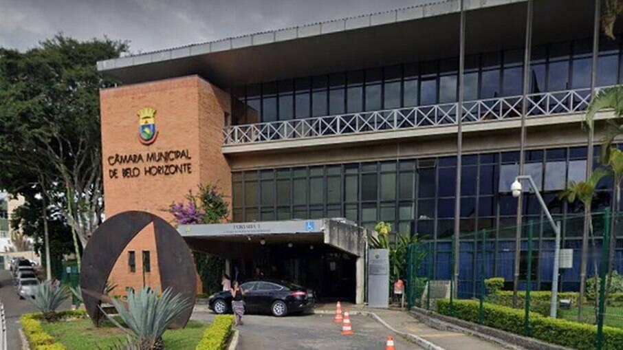 Projeto de lei que proíbe o uso de linguagem neutra em escolas de Belo Horizonte avançou na Câmara Municipal