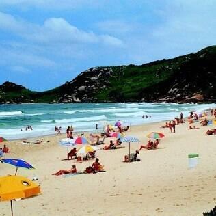 Em 2011, o número de turistas chegou a 980 milhões em todo o mundo