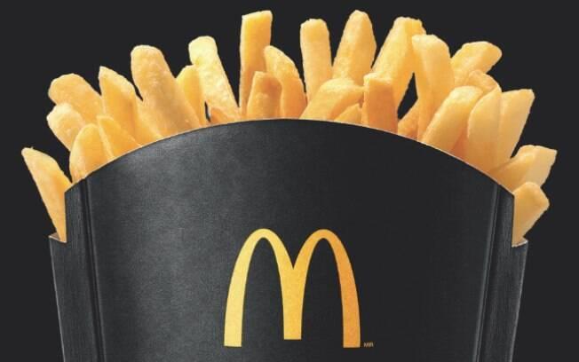 Batata frita do McDonald's será servida em embalagem preta durante a promoção de Black Friday